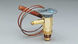 "Expansion valve, standard port, R134a family, internal equalizer, 1 ton, 3/8"" MFL inlet x 1/2"" MFL outlet, C charge (medium temp)"